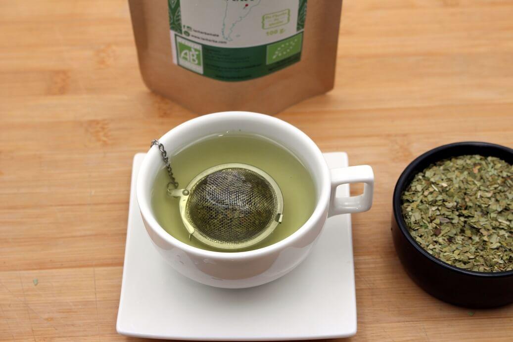 Utilisation d'une boule à thé pour infuser du maté